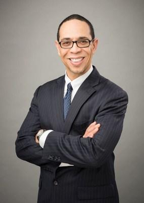Anthony E. Simpkins es presidente y director ejecutivo de Neighborhood Housing Services of Chicago. (PRNewsfoto/Neighborhood Housing Services of Chicago)